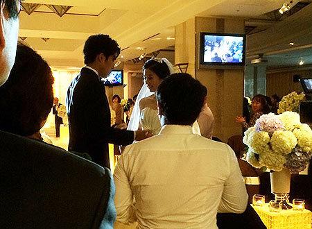 関根勤も来てたそうです。(そりゃ来るわなぁ~(笑)) 2人と挨拶もさせていただいたそうですけど、韓国では小さめの結婚式だったみたい。